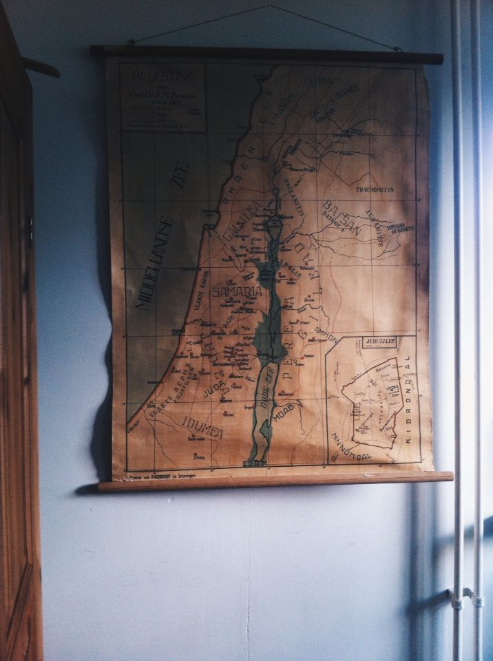 Beautiful old Palestina map Found it in the thriftshop