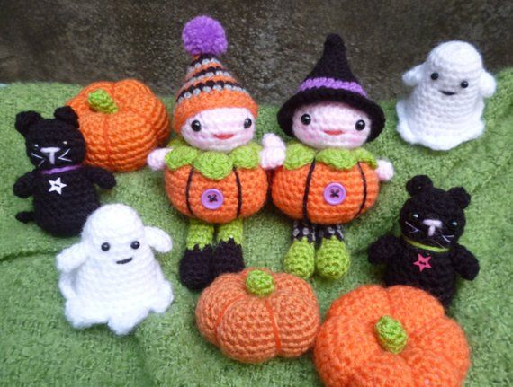 pumpkin patch people halloween dolls  ghost cat