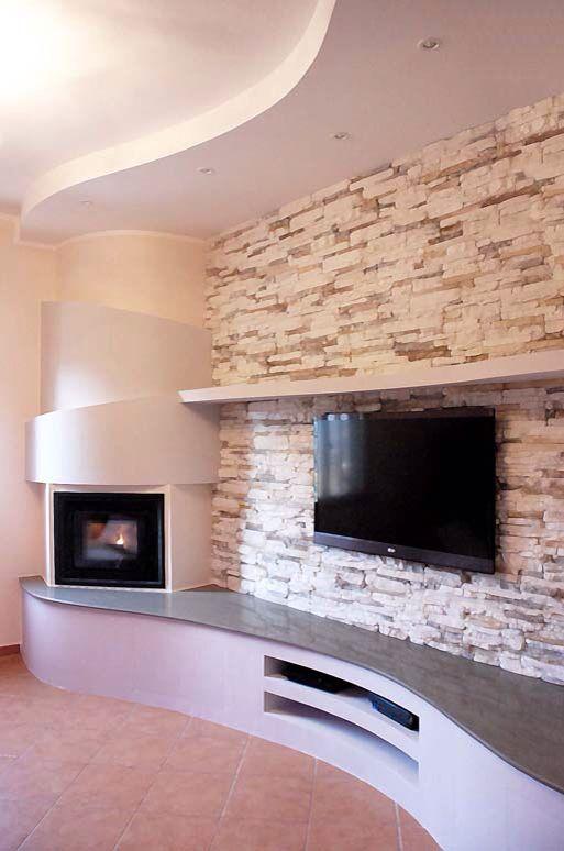 Pin di veronica ryczko su tv wall nel 2019 european home for Living con camino