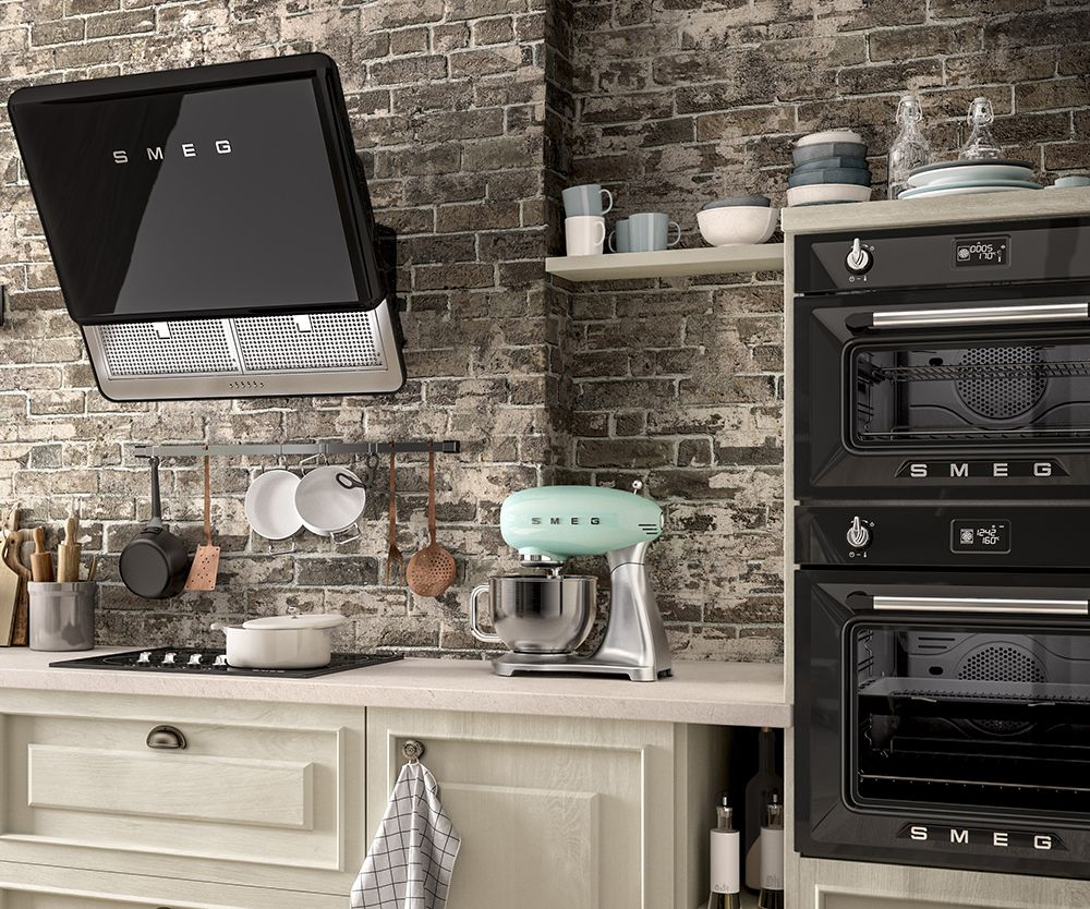 Smeg 50s style fab hood and victoria compact oven for Smeg kitchen designs