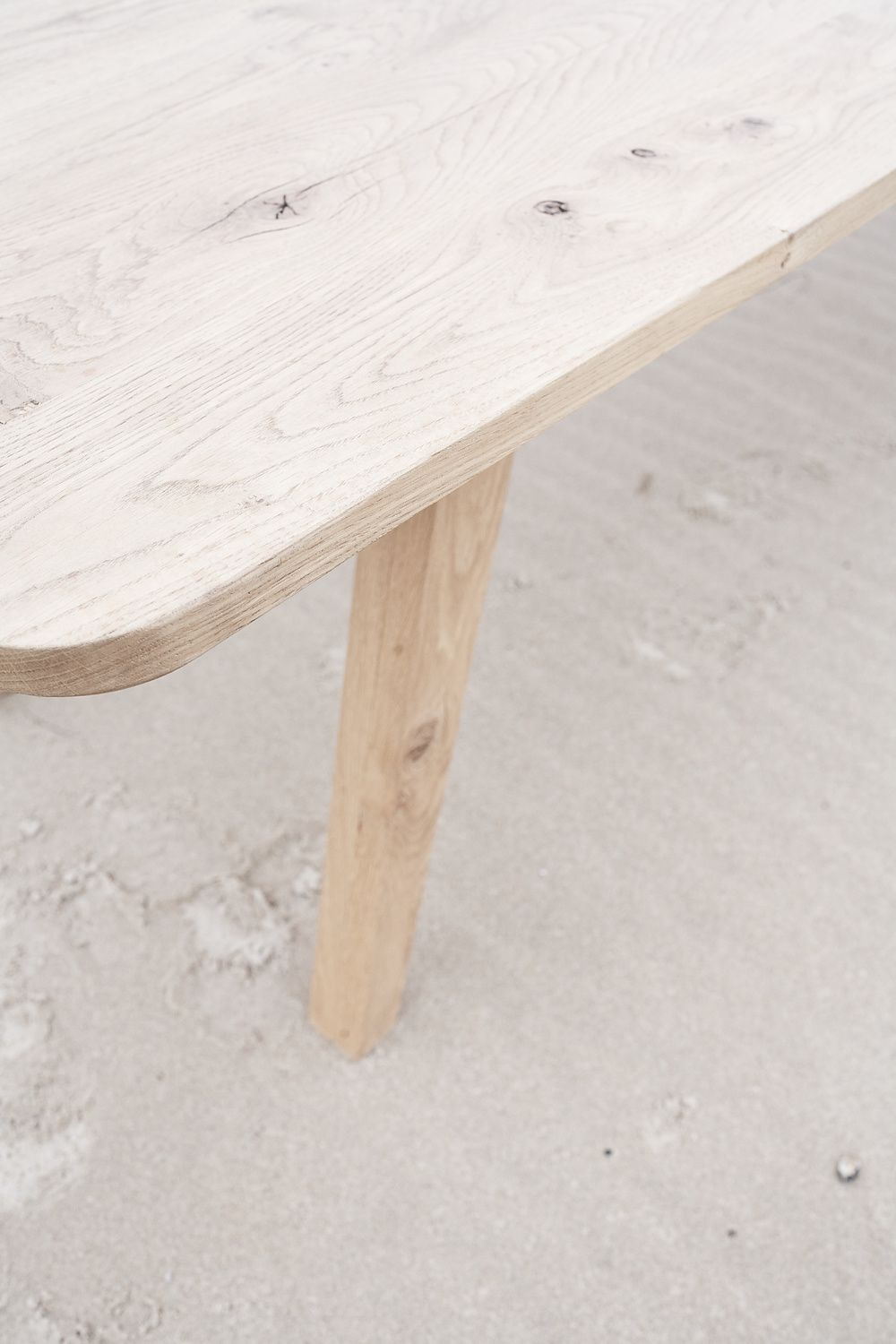 Dining Table In Bourgogne S White Oak With Soft Edges And Rounded Corners Standard Thickness 30 Mm Colorless Oiled Finish Table Table Furniture Dining Table