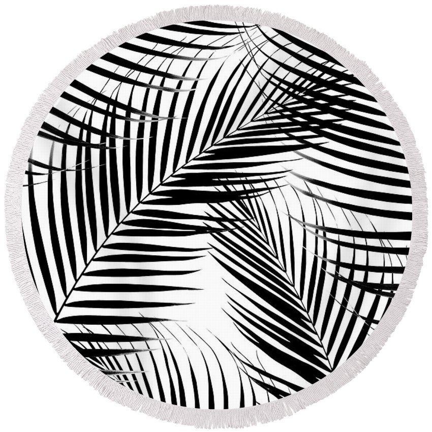 Palm Leaves Black And White Cali Vibes 1 Tropical Decor Art Round Beach Towel For Sale By Anitas And Bellas Art In 2021 Round Beach Towels Art White Art
