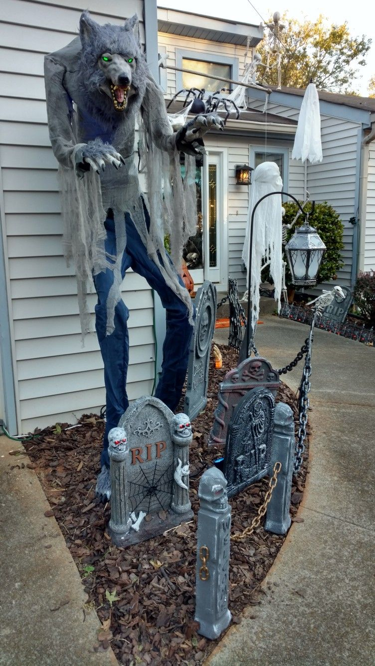 Pin by Mary Glendening on Halloween Pinterest Halloween ideas - halloween houses decorated
