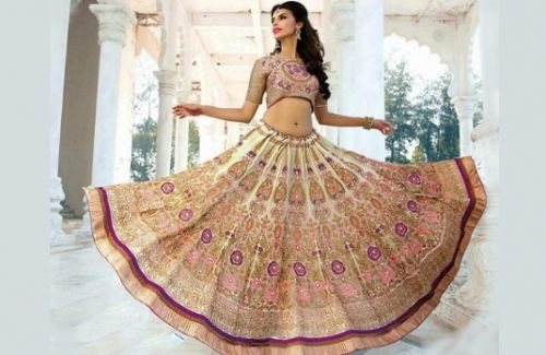 Lehenga is the Indian equivalent of the glamorous gown as it is reserved for exclusive occasions. While it is common to wear a subtle saree on everyday basis, a lehenga expresses festivity and celebration. Such festive attire deserves exquisite treatment to make those rare lehenga worthy evenings special. ....... Discover more articles here: http://strandofsilk.com/indian-fashion-blog