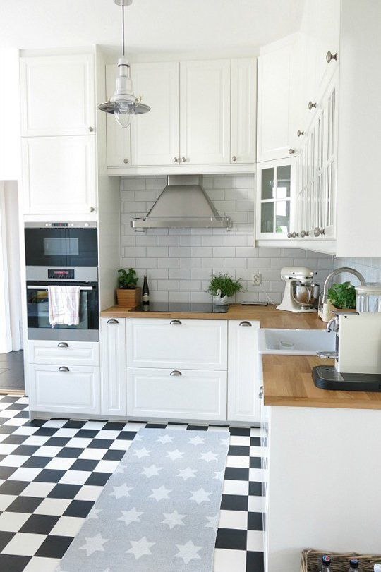 Small White Kitchens | Small white kitchens, Kitchen small and Small ...