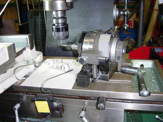 卓上フライス盤でできること 工具を作っています 工作 機械 工作 フライス盤