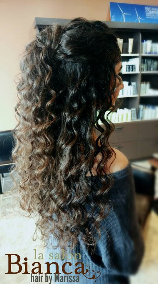 Long Natural Curls For Prom Or Wedding Halfup Halfdown Weddinghair Promhair Naturalcurls Halfup Long Natural Curls Curly Prom Hair Long Natural Curly Hair