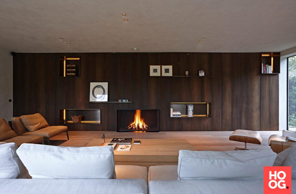 Moderne woonkamer met luxe meubels en open haard | fireplaces ...