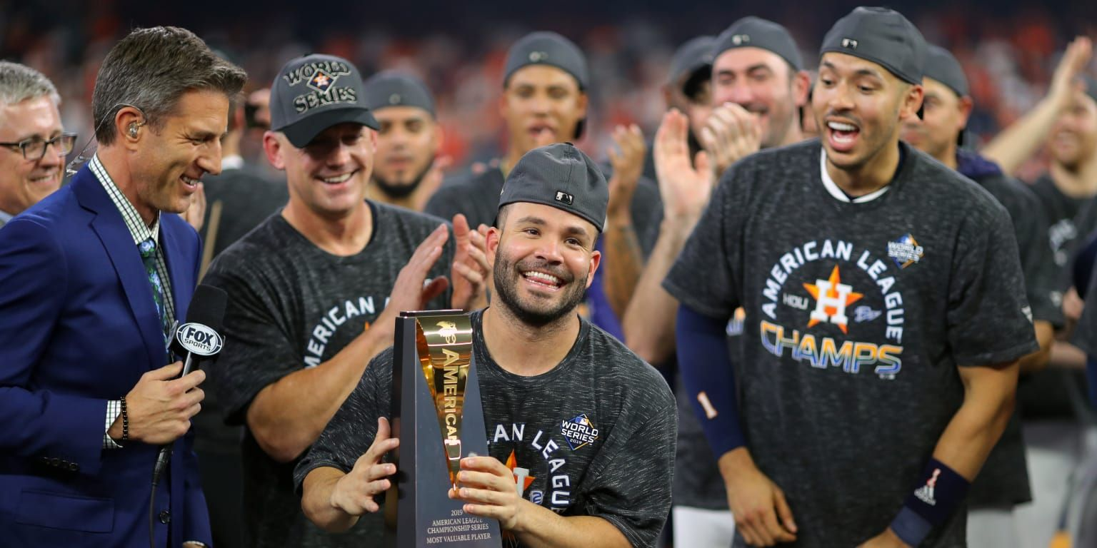 The Pictures Of Jose Altuve Standing Beside The 6 Foot 7 Aaron Judge Have Circulated Through Social Media Time And Ti In 2020 Jose Altuve Minute Maid World Series 2017