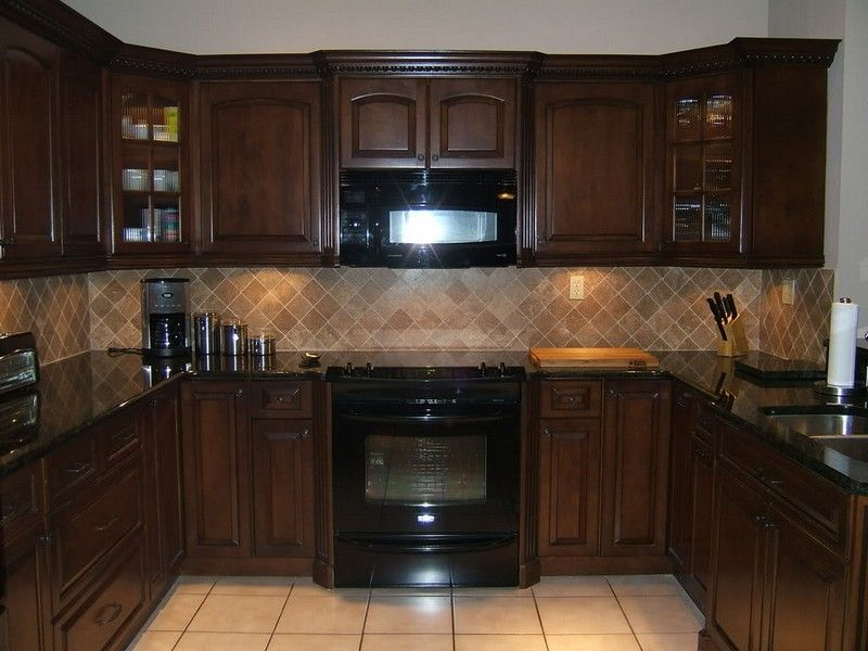 Kitchen kitchen color schemes with cherry cabinets and for Granite colors for black cabinets