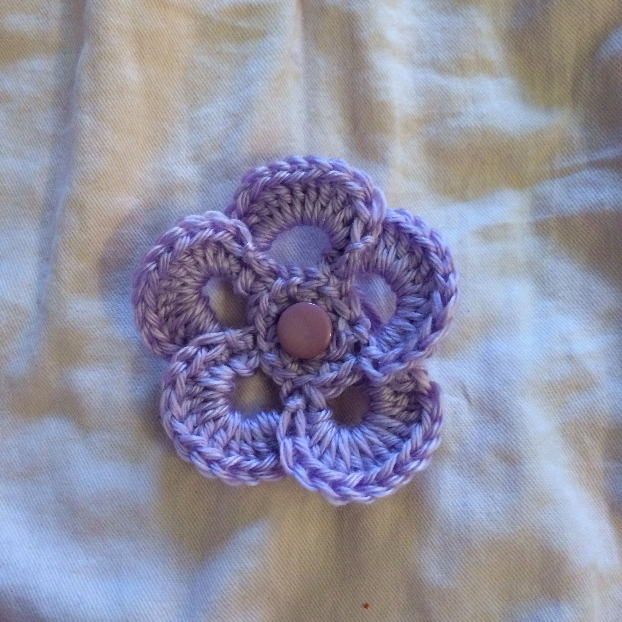 1 layer wagonwheel crochet flower