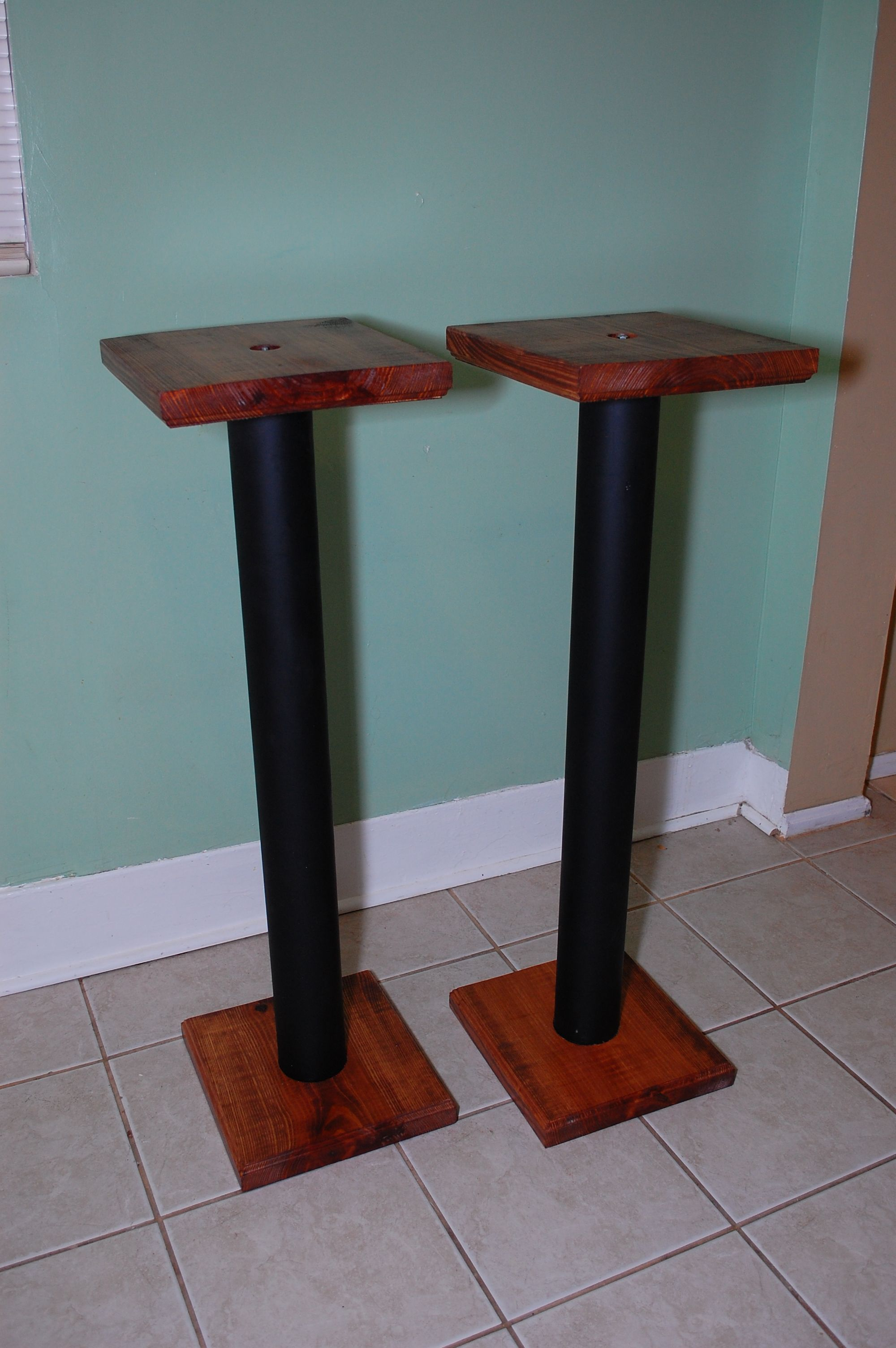 Jordan Colburn Great Diy Speaker Stands For 30 Clck