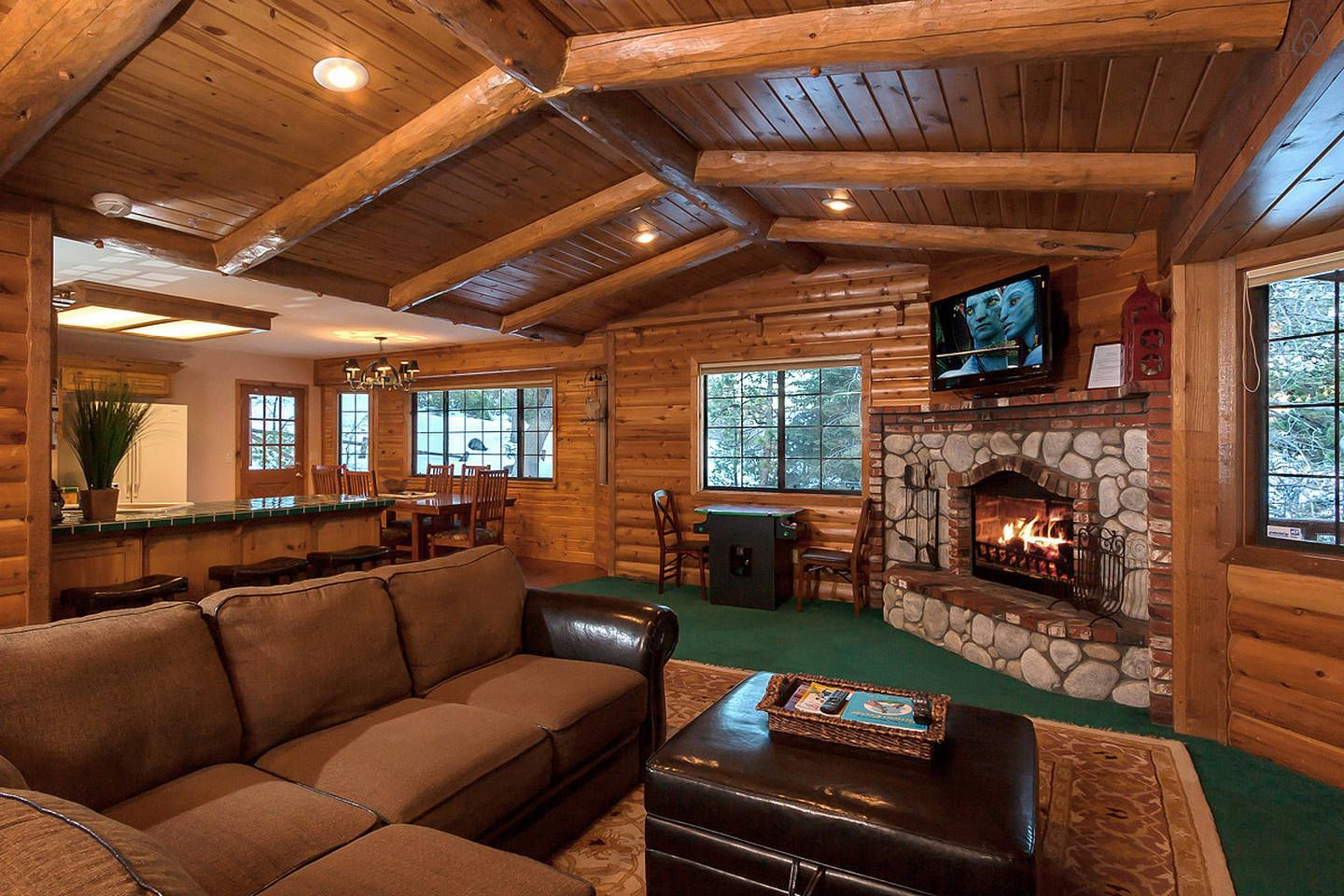 Tree Top Beauty Steps to Slopes. - vacation rental in Big Bear Lake, California. View more: #BigBearLakeCaliforniaVacationRentals