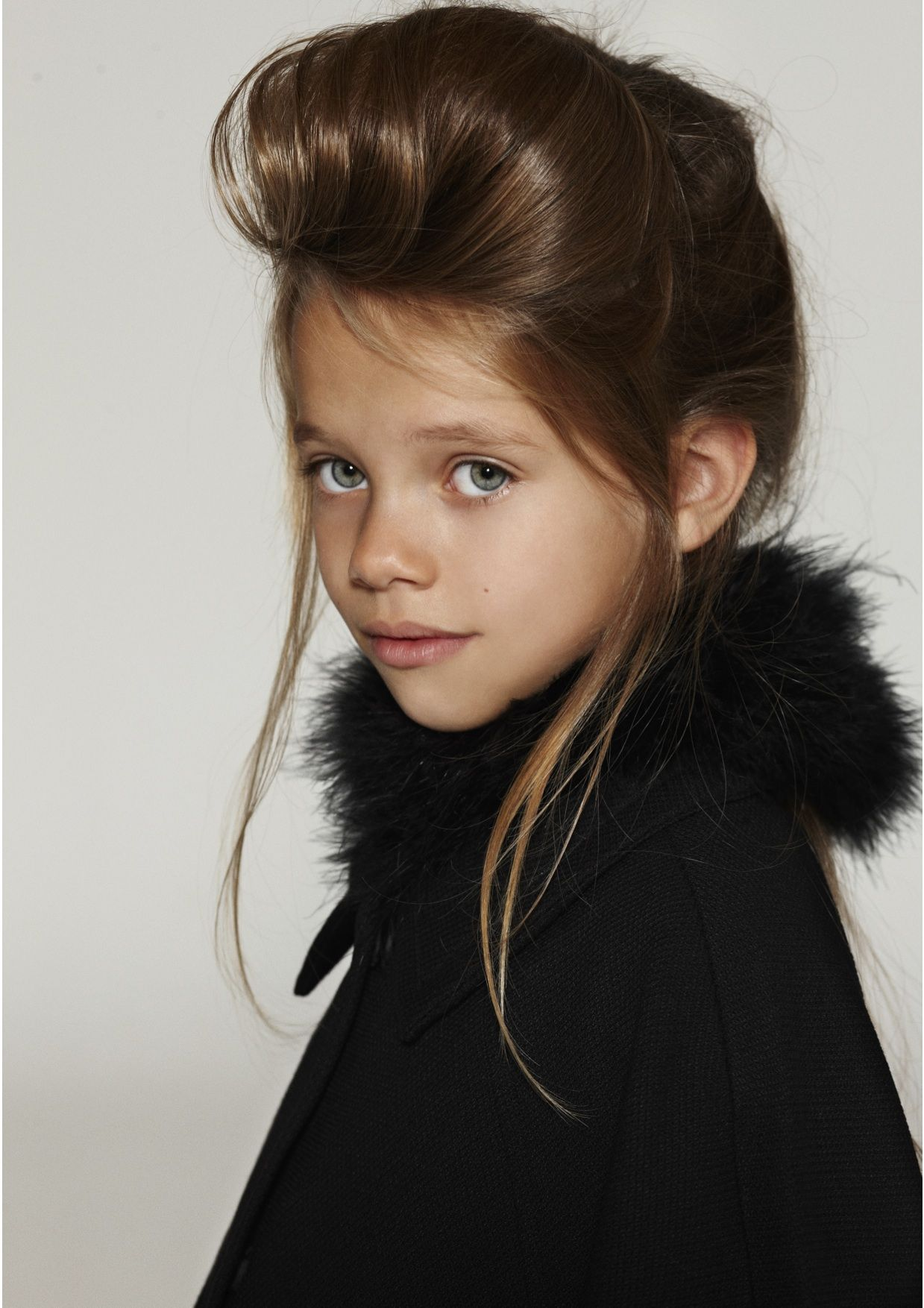 kids test // idea and styling: styleplay.dk // photo: klercke.dk // hair and makeup: zaeschke.dk // girl from little-people.dk