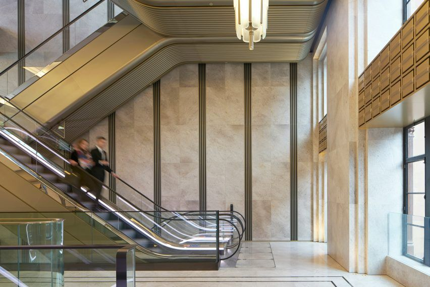 Harrods Vnuchataya Vhod Arhitektura Makiyazh Arhitektory London Ik Retail Dezeen 2364 Col 8 Escalator House Painting Cost Architecture