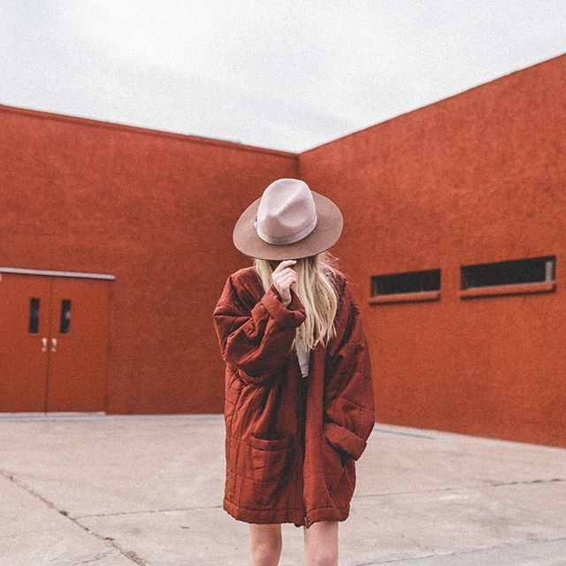 PC: @jacimariesmith  For: @shopstrand  #vintage #hat #monochromatic #color #me #shop #lackofcolor #rainyday #ftwotw