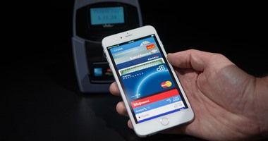 أبل تنشر فيديو يوضح كيفية استعمال خدمة Apple Pay على آيفون