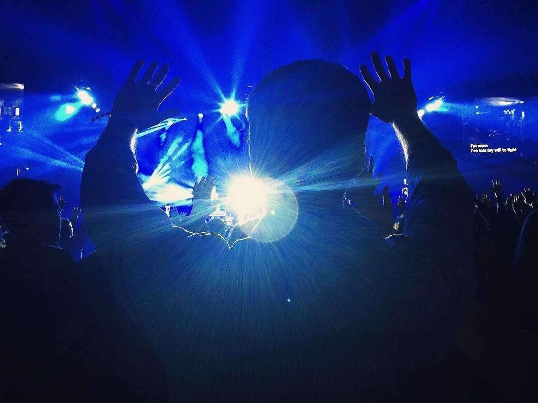 """Festival Tomavistas   Un festival para disfrutar de los mejores grupos de indie rock y electrónica del panorama nacional y además deleitarse con zonas de """"picoteo"""" y relax con unas impresionantes vistas de #Madrid. Si adoras la #música hazte todo un profesional con nuestro Curso de Producción de #MúsicaElectrónica en  #EscuelaCES"""