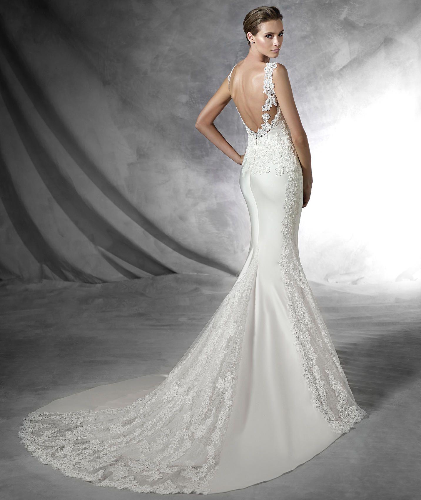 PRESEA Mermaid wedding dress with sweetheart neckline