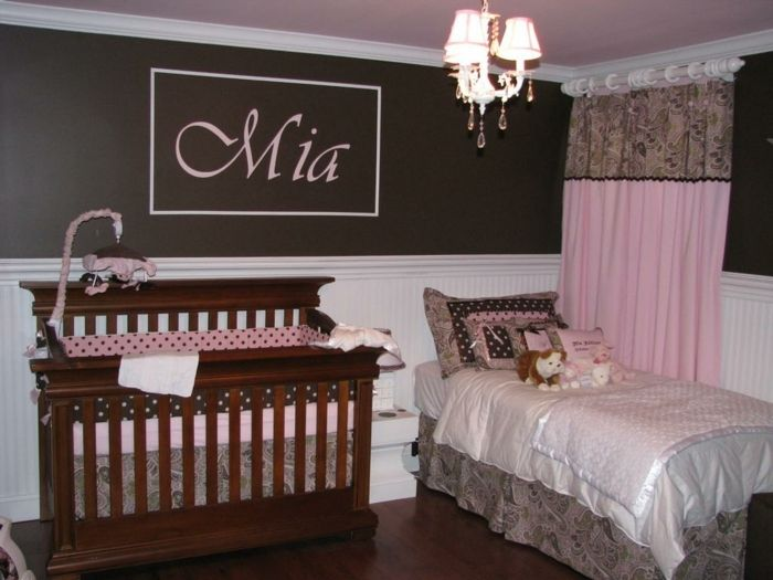 Kinderzimmer Gestalten In Braun Und Rosa Mädchen Wohnt In Diesem