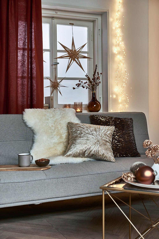 Winterliche Deko in Creme und Gold für Dein Wohnzimmer