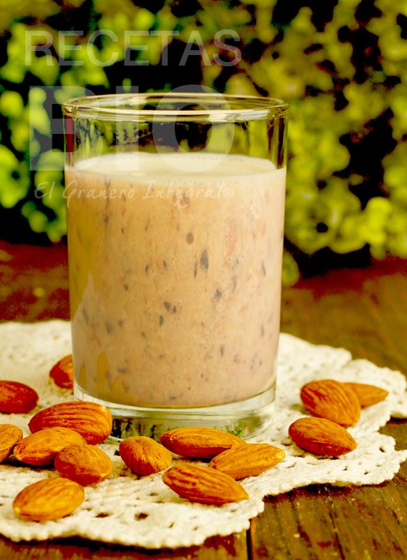 7. BATIDO PROTEÍNICO DE QUINOA (vegano, sin huevo, sin leche, sin gluten)