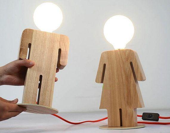 Moderne en bois clair linge ombre trois jambes lampe lit chambre