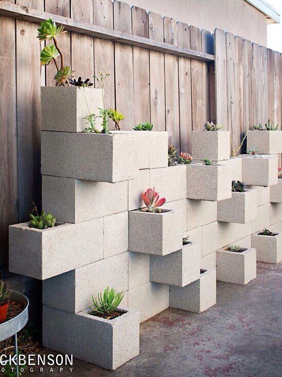 Vertical garden DIY with cement blocks