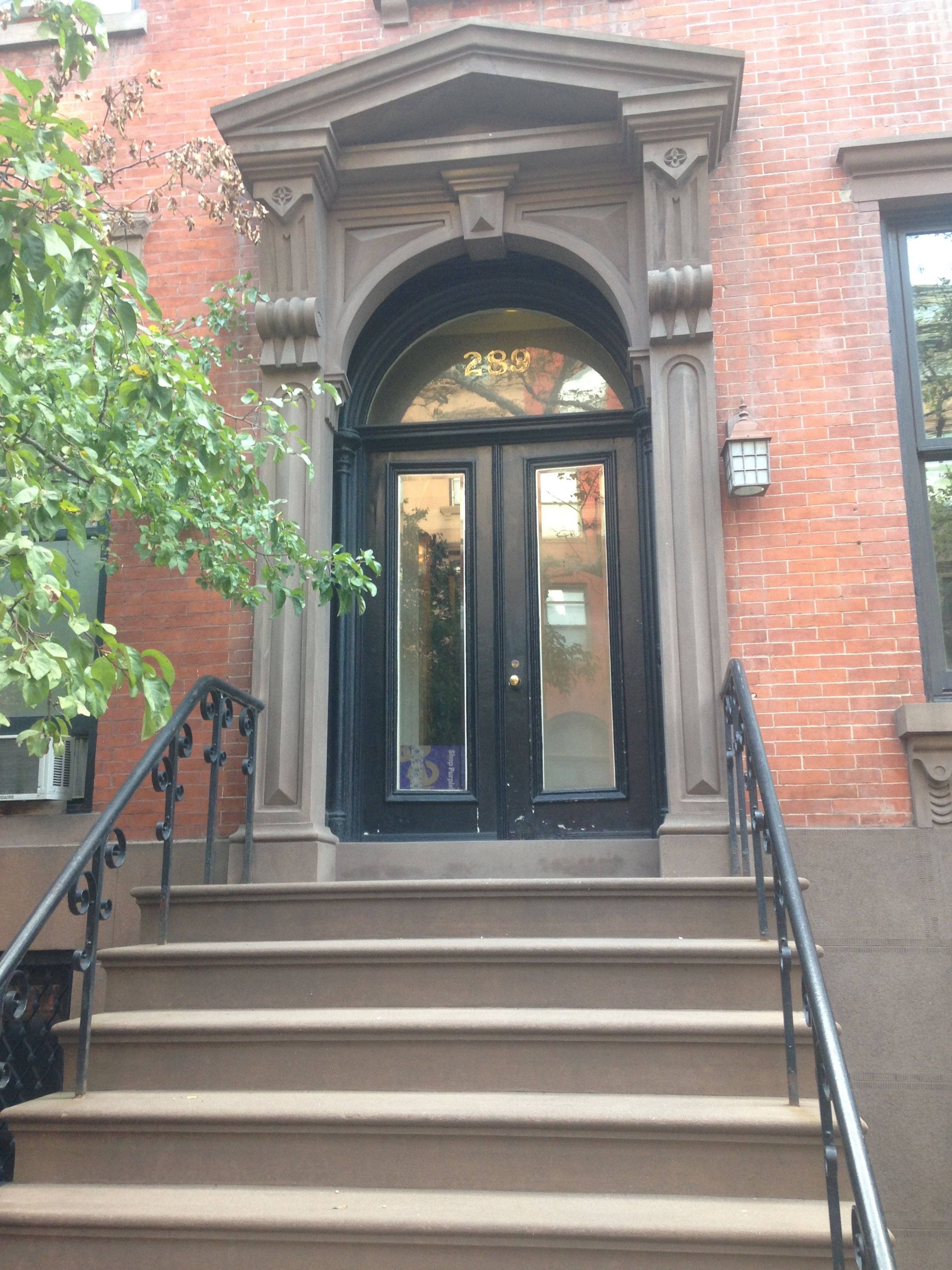 Pin By Sophie Jakobson On Brownstone Front Doors Pinterest