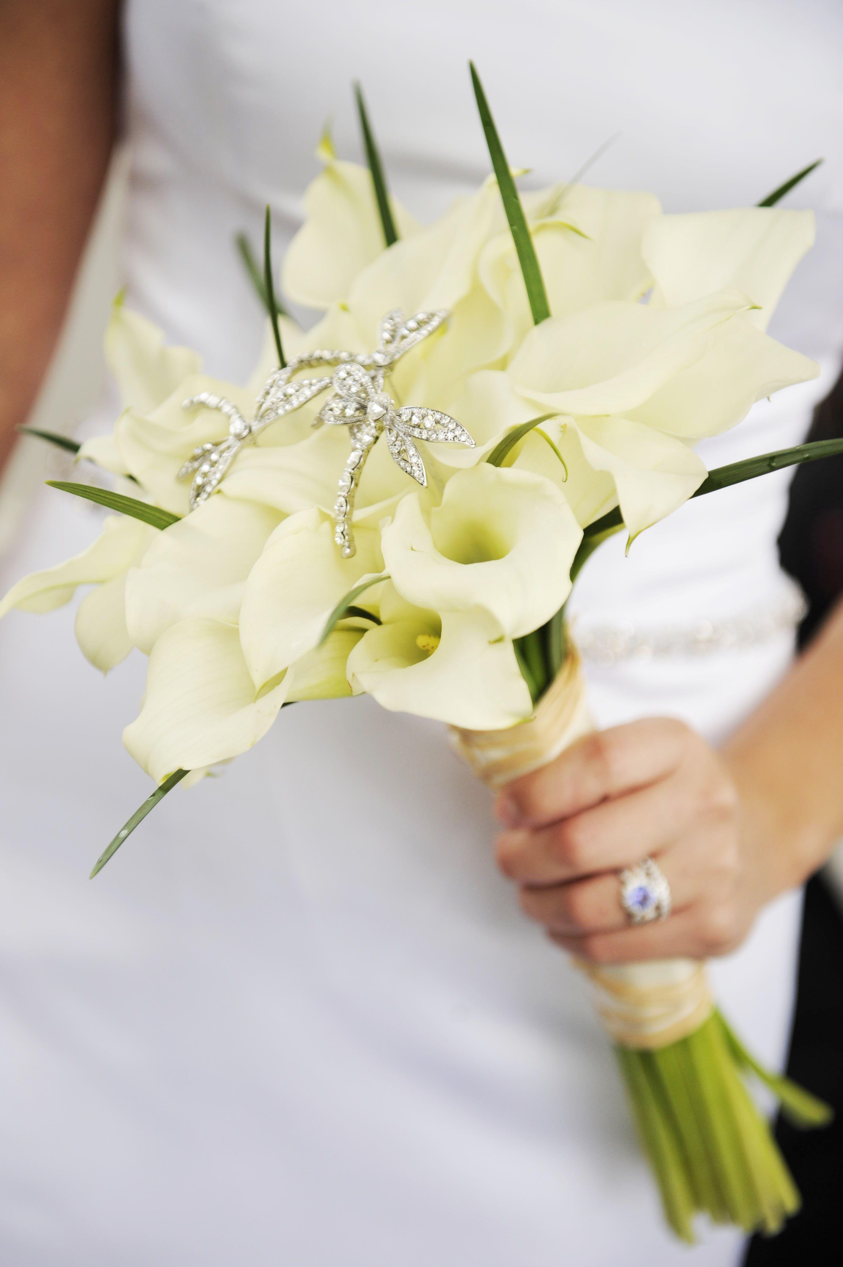Pin By Disney S Fairy Tale Weddings On Floral Calla Lily Bridal Bouquet Dragonfly Wedding Theme Dragonfly Wedding