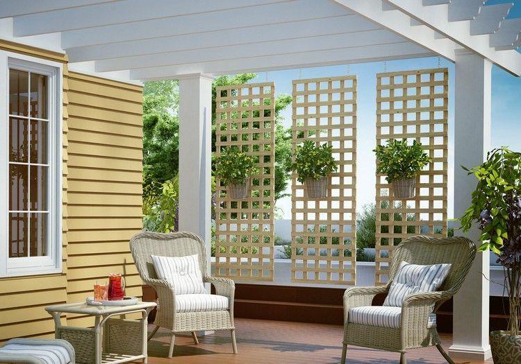 dreiteiliger moderner sichtschutz sorgt f r genug licht und luft an der veranda terrasse. Black Bedroom Furniture Sets. Home Design Ideas