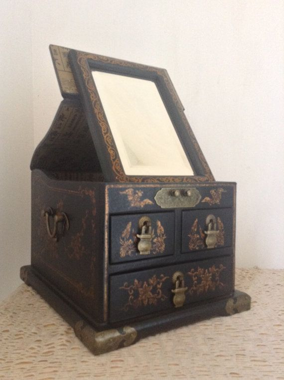 Antique Style Chinese Wooden Jewelry Box Makeup Case With