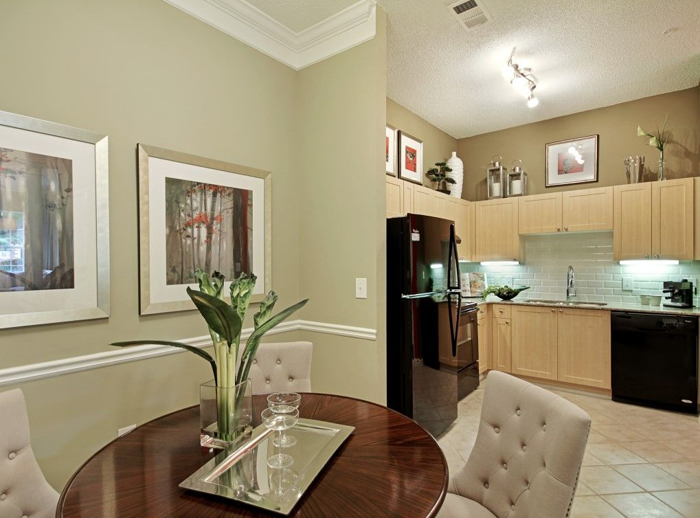 Enjoy cherry, maple, or white designer kitchen cabinets and upgraded