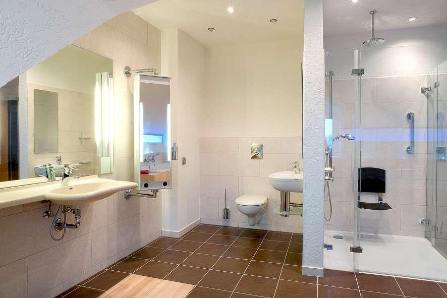 Behindertengerechtes bad Wohnideen Pinterest - böden für badezimmer