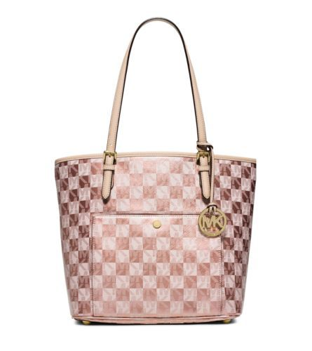 Give a little shine to everyday looks with the iconic Jet Set tote, rendered in a metallic checkerboard pattern with our signature logo print. Featuring a conveniently spacious interior with a large zip compartment and plenty of pockets, this sophisticated tote strikes the perfect balance between form and function.  @vanessalbuono rose gold bag!
