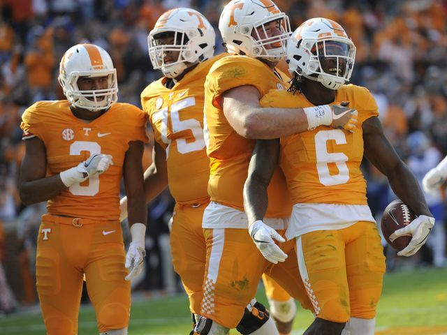 FINAL: Tennessee Vols defeat Kentucky, 49-36   Tennessee ...