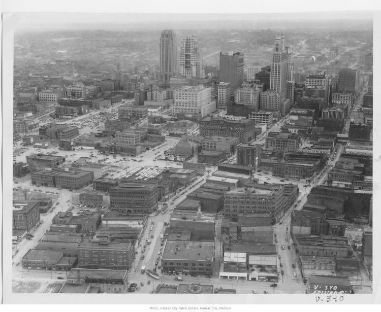 Downtown Kc In 1940 From The River Market Looking South Before The North Loop Freeway Was Constructed Kansas City Missouri City Pictures Kansas City Downtown