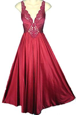 f4e731b352 Vintage Olga nightgown
