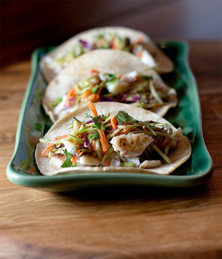 44. Healthy Broccoli Slaw Fish Tacos #healthy #quick #recipes http://greatist.com/health/52-healthy-meals-12-minutes-or-less