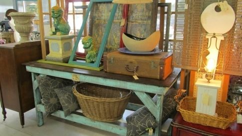 Uncover hidden treasures in these top antiquing hubs across Oklahoma. From the antique malls bursting with unique finds to the boutiques with a smaller, more stylized selection, you're sure to stumble across plenty of hidden treasures.