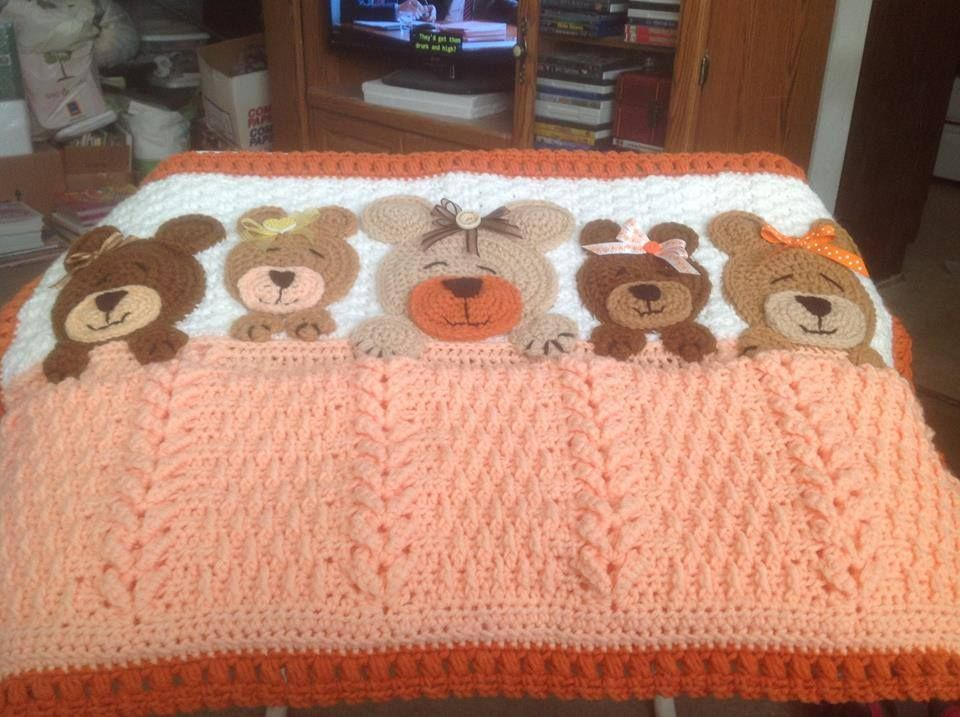 Sleep Tight Teddy Bear Blanket, crochet ideas. Pattern: https://www ...