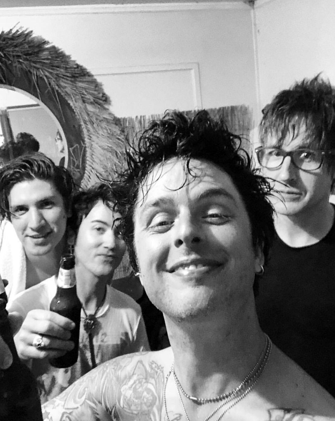 Pin by Edina Fricsné on Green Day | Green day, Billie joe