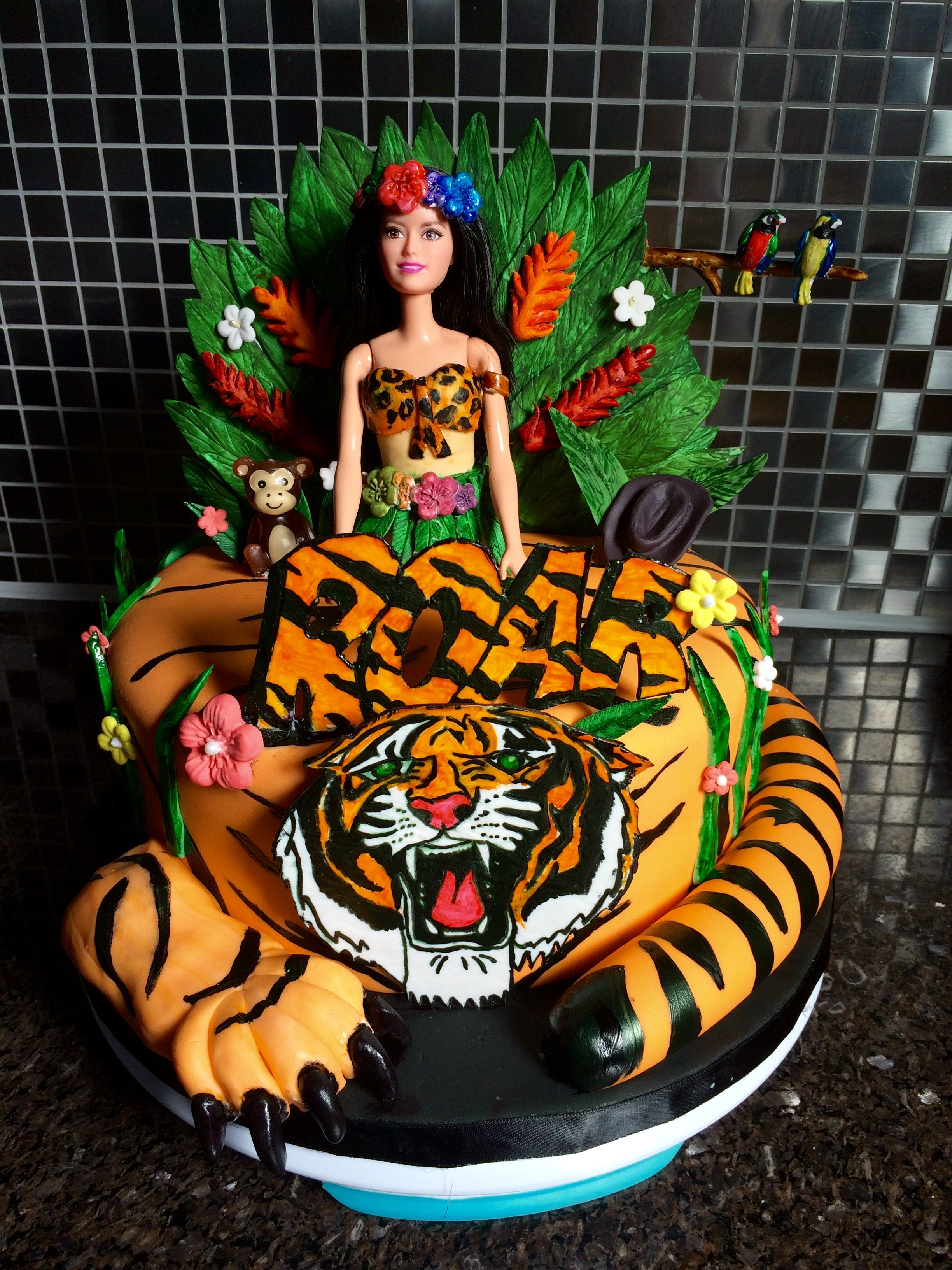 Groovy Katy Perry Roar Cake I Made For My Daughter Katie With Images Personalised Birthday Cards Veneteletsinfo