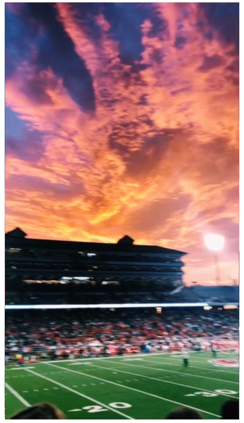 credit to gabrieladramirez on #vsco { #sunset #dsco