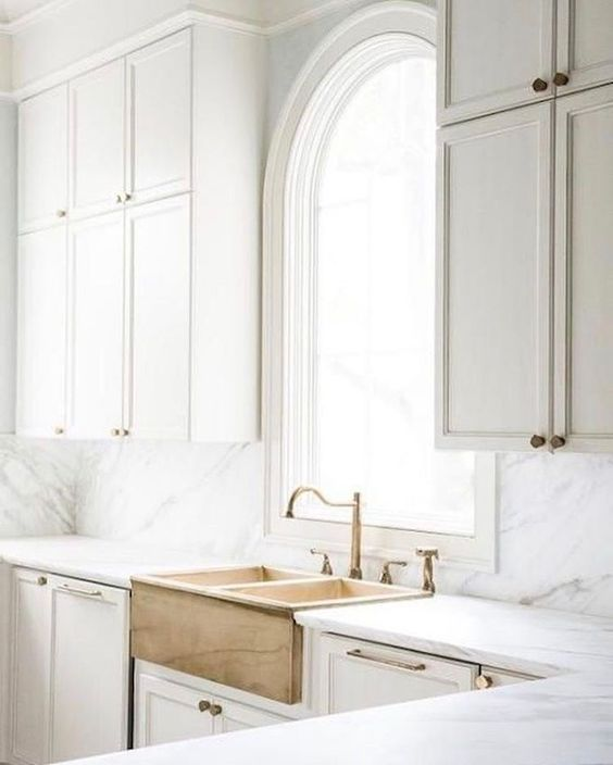 love this gorgeous sink and kitchen