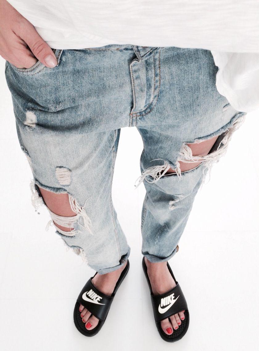 e7bd9b4545a3 Nike Slippers