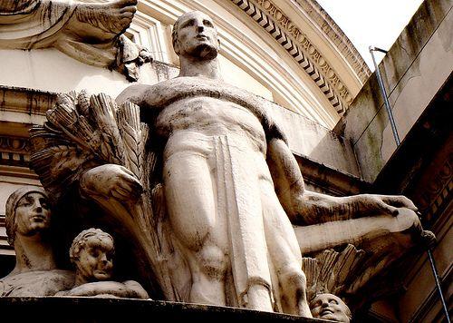 arquitectura/escultura DETALLE BOLSA DE COMERCIO DE ROSARIO