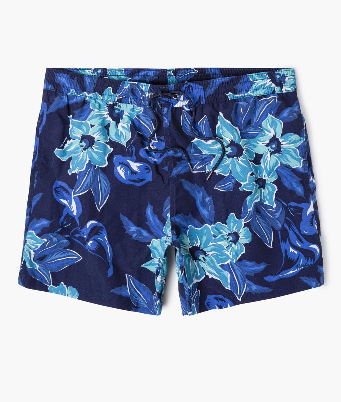 2a201bbea7ff9 Short de praia curto confeccionado em tactel estampado com padrão floral,  cós elástico e amarração