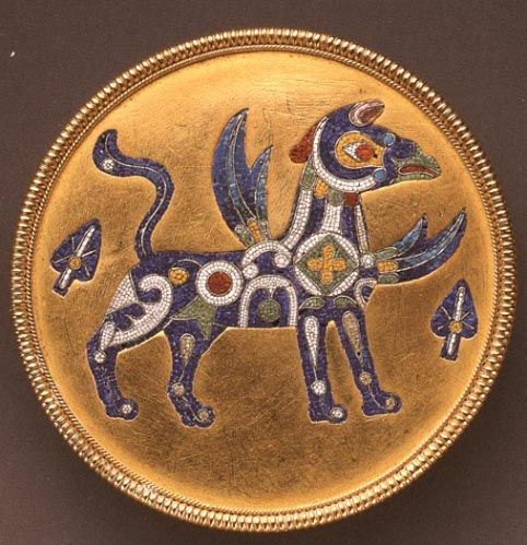 Brooch with micromosiac griffin