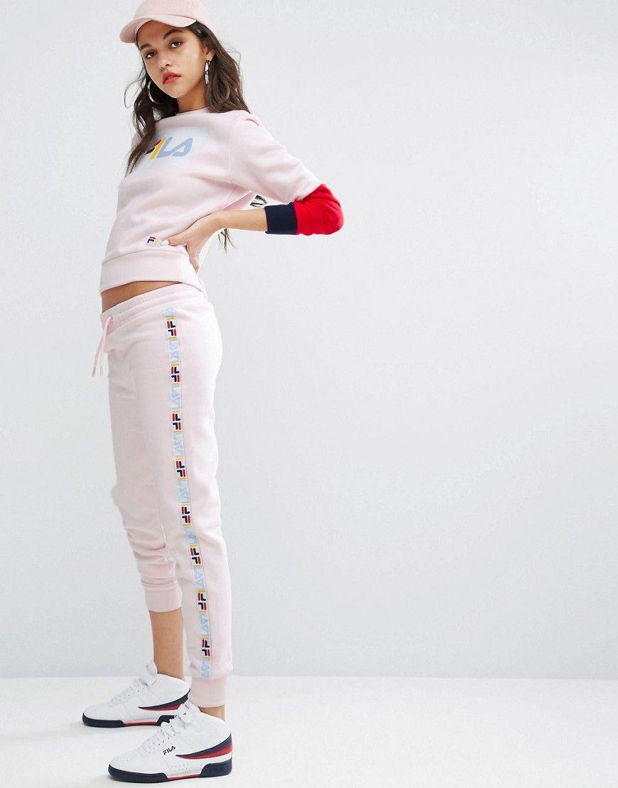 Joggers de pernera slim con detalle de cinta de Fila. Pantalón de chándal  de Fila f7dfb57c9b0b0